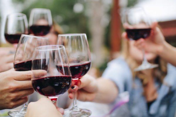 (終了)独身ワイン会@品川高層タワマン〜夜景がきれいな会場で、厳選高級すき焼きと赤ワイン会〜